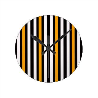 Horloge Ronde rayures noires oranges minces