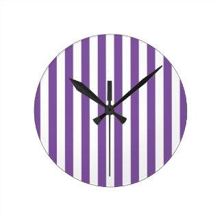 Horloge Ronde Rayures pourpres verticales