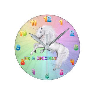 Horloge Ronde Soyez une licorne