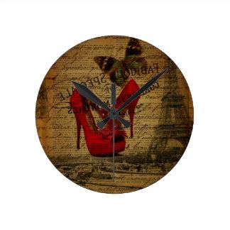 Horloge Ronde Stylets de rouge de fashionista de Tour Eiffel de