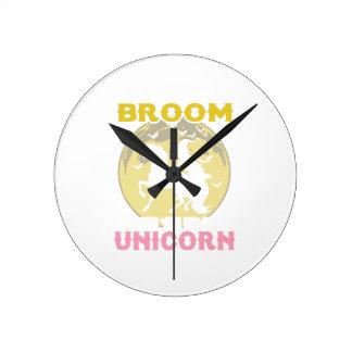 Horloge Ronde T-shirt drôle de sorcière de Halloween