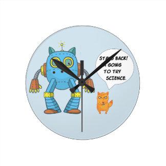 Horloge Ronde Tenez-vous retournant pour essayer le chat drôle