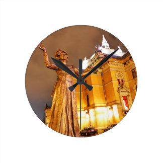 Horloge Ronde Théâtre d'Oslo la nuit