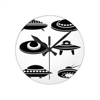 Horloge Ronde vaisseaux spatiaux réglés