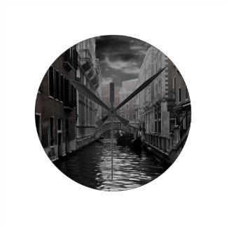Horloge Ronde Venise en noir et blanc