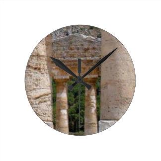 Horloge Ronde vieilles ruines de pierre