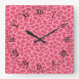 Horloge rose de chiffres romains de carré de peau