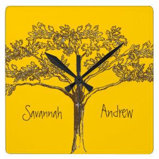 Horloge vintage personnalisée d'arbre de jaune de