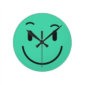 Horloges murales souriantes mignonnes