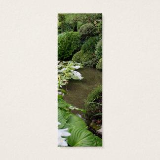 Hosta dans un jardin de zen mini carte de visite