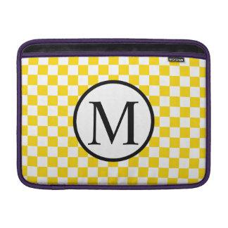 Housse Macbook Air Monogramme simple avec le damier jaune