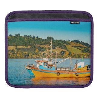 Housse Pour iPad Bateau de pêche au lac, Chiloe, Chili