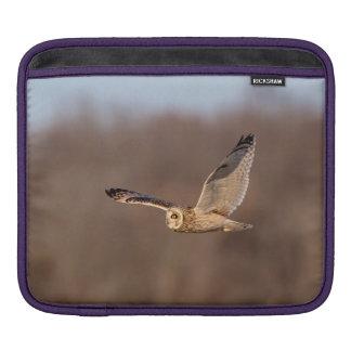Housse Pour iPad Hibou à oreilles courtes en vol