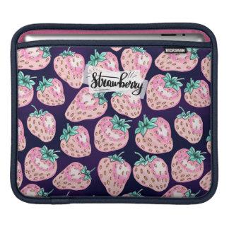 Housse Pour iPad Motif rose de fraise sur l'arrière - plan pourpre
