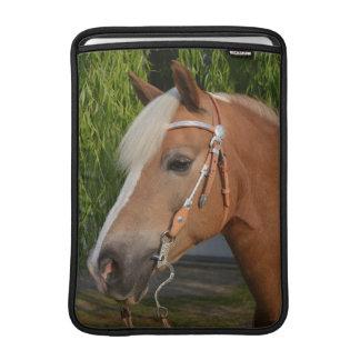 Housse Pour Macbook Air Beau portrait de cheval de haflinger