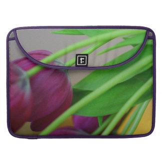Housse Pour Macbook Tulipes pourpres colorées