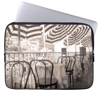 Housse Pour Ordinateur Portable Balcon étrange de restaurant, Italie