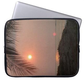 Housse Pour Ordinateur Portable Coucher du soleil de palmier en le Costa Rica