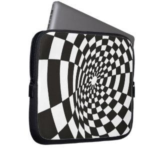 Housse Pour Ordinateur Portable Damier déformé en noir et blanc