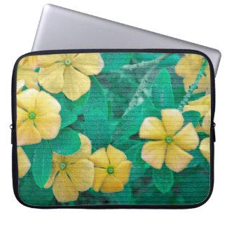 Housse Pour Ordinateur Portable Fleurs jaunes à la nature