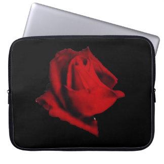 Housse Pour Ordinateur Portable Mystère doux rougeoyant de rose rouge