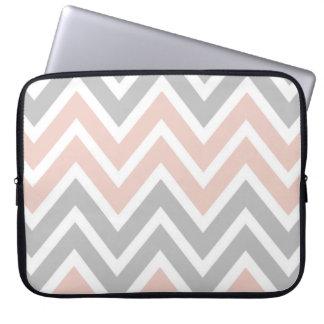 Housse Pour Ordinateur Portable Pâlissez - la douille rose et grise d'ordinateur