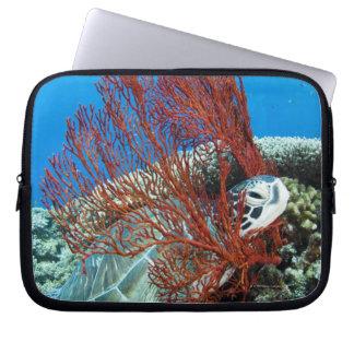 Housse Pour Ordinateur Portable Tortue de mer reposant sous l'eau 2