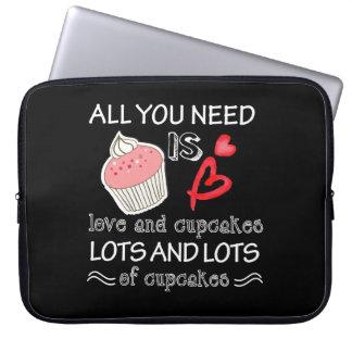 Housse Pour Ordinateur Portable Tout que vous avez besoin est des sorts d'amour et