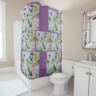 Hummer dans le rideau en douche de salle de bains
