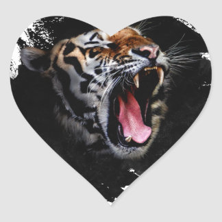 Hurlement de tigre sticker cœur