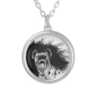 Hyène hysterique pendentif rond