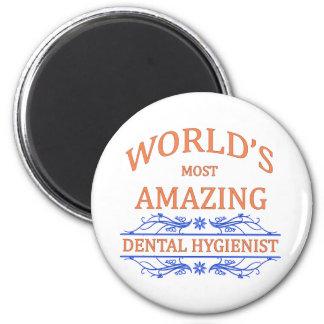 Hygiéniste dentaire aimant