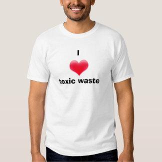 I déchets toxiques de coeur t-shirts