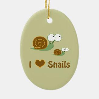I escargots de coeur deux escargots mignons ornement ovale en céramique