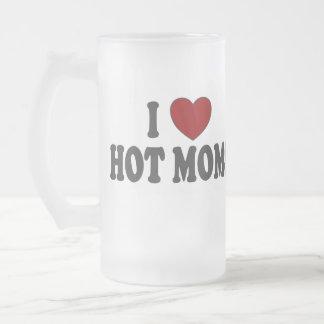 I les mamans chaudes de coeur ont givré la tasse