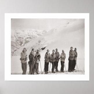 Iamge vintage de ski, dames sur des skis poster