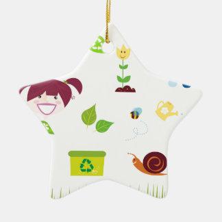 Icônes vertes tirées par la main : T-shirts Ornement Étoile En Céramique