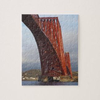 Iconique clôturez en avant le pont puzzle