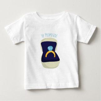 Il a proposé ! t-shirt pour bébé