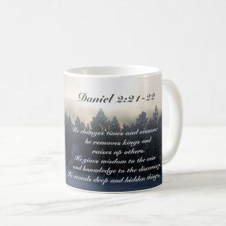 Il change des périodes et des saisons, bible de mug