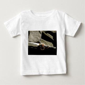 Il vaut mieux d'être une arme plutôt qu'ayez juste t-shirt pour bébé