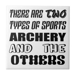 Il y a deux types de TIR À L'ARC et de d'autres de Carreau