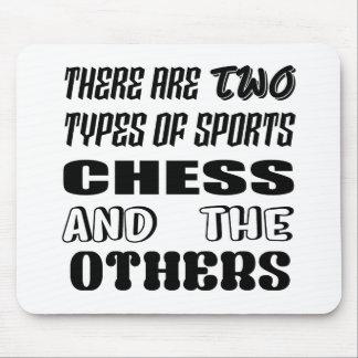 Il y a deux types des échecs et de d'autres de tapis de souris