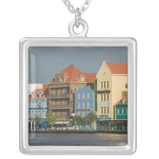 Îles d'ABC, CURAÇAO, Willemstad : Harborfront 2 Pendentif Carré