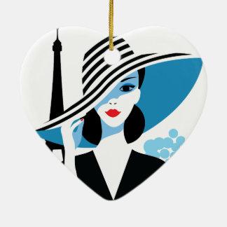 Illustration chic de mode élégante française de ornement cœur en céramique
