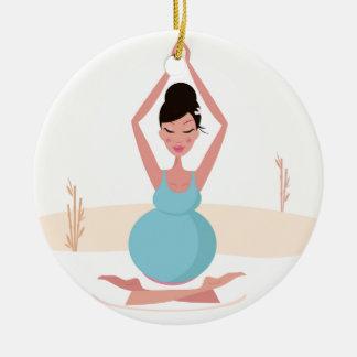 Illustration créative de fille de yoga : T-shirts Ornement Rond En Céramique