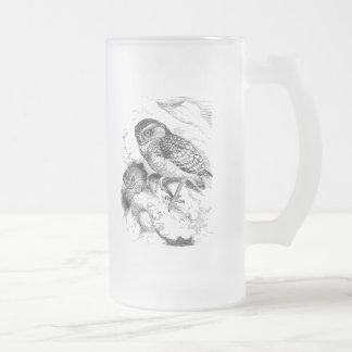 Illustration creusante vintage d'oiseau de poussin mug en verre givré