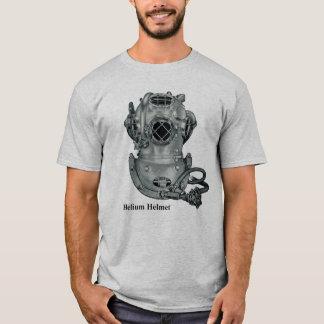 Illustration de plongée de casque de la marque V T-shirt