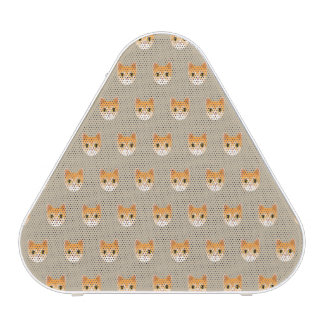 Illustration mignonne de chat tigré haut-parleur bluetooth