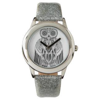 Illustration modelée par style tribal frais de montres bracelet